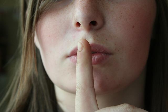 復縁における「沈黙」は効果をもたらすか? 連絡しないのが好結果につながる? そして沈黙期間について